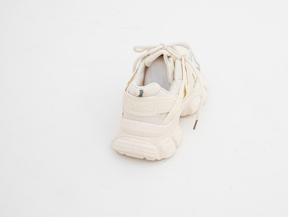 신발 화이트 색상 이미지-S1L32