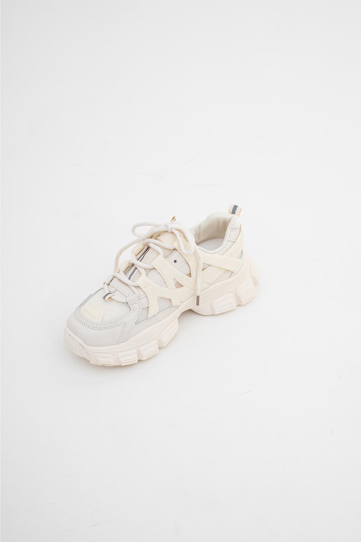신발 화이트 색상 이미지-S1L29