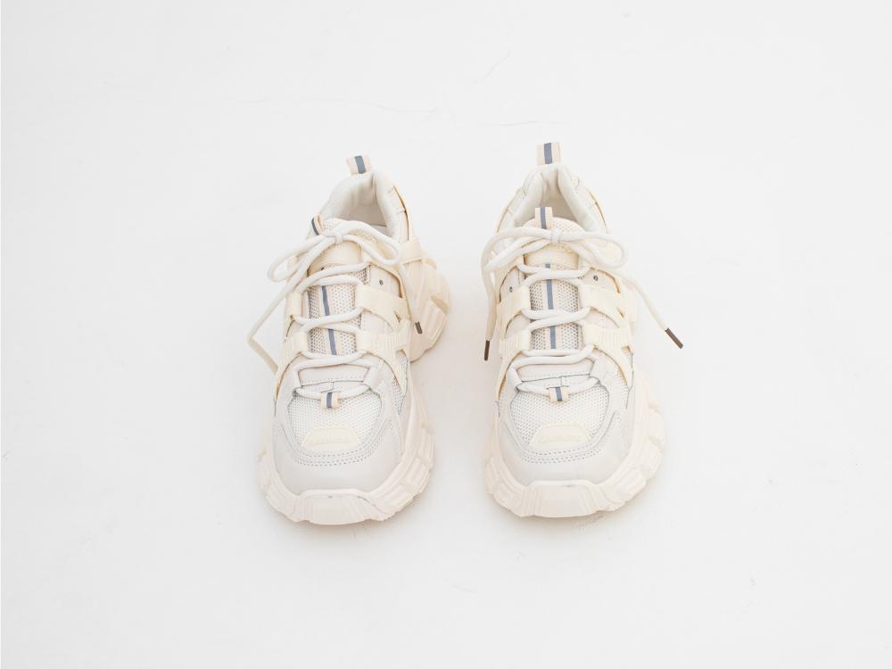 신발 화이트 색상 이미지-S1L37