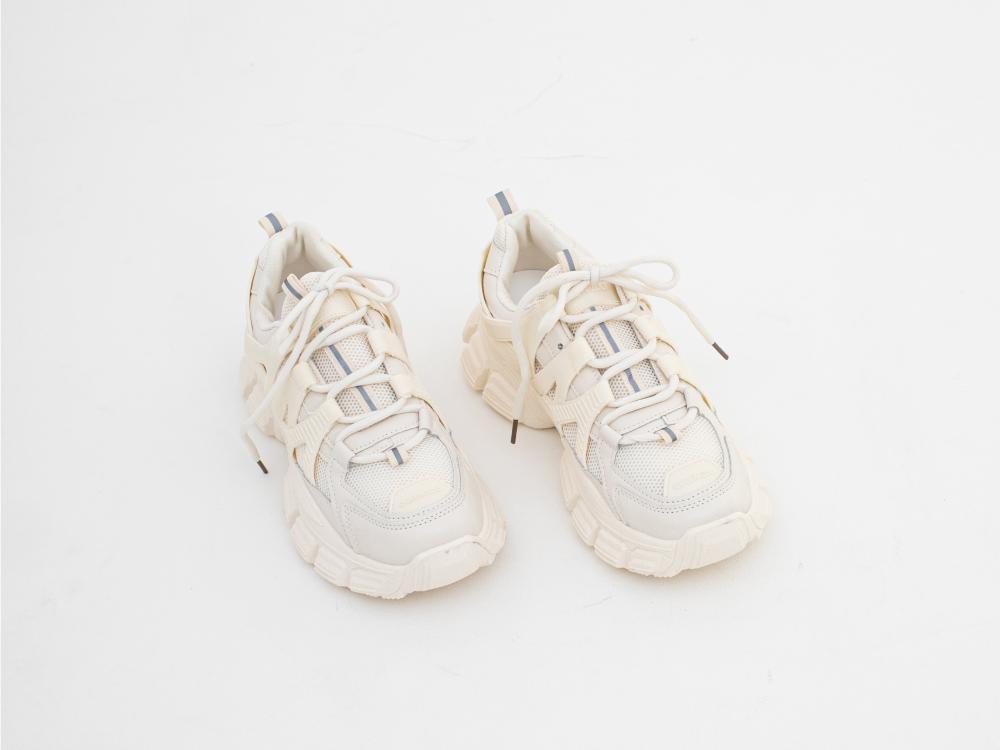 신발 화이트 색상 이미지-S1L33