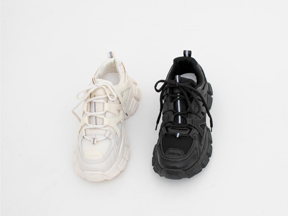 신발 화이트 색상 이미지-S1L36